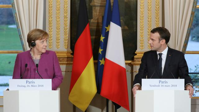 Le président Emmanuel Macron et la Chancelière allemande Angela Merkel lors d'une conférence de presse, le 16 mars 2018 à l'Elysée, à Paris [ludovic MARIN / POOL/AFP]