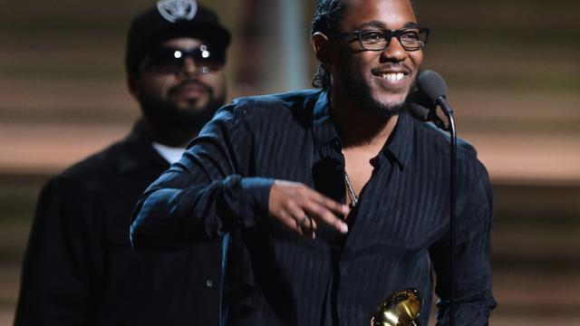Le rappeur Kendrick Lamar récompensé le 15 février 2016 à Los Angeles [ROBYN BECK / AFP]