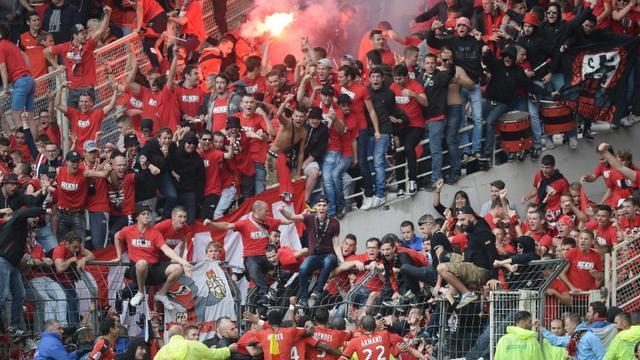 Les Rennais fêtent le but de Paul-Georges Ntep avec le parcage de leurs supporteurs, lors du derby face à Nantes, le 13 septembre 2015 à La Beaujoire [JEAN-SEBASTIEN EVRARD / AFP]