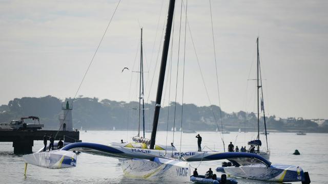 Le multicoque MACIF du skipper François Gabart, après sa mise à l'eau dans le port de Lorient, le 18 août 2015 [JEAN-SEBASTIEN EVRARD / AFP/Archives]