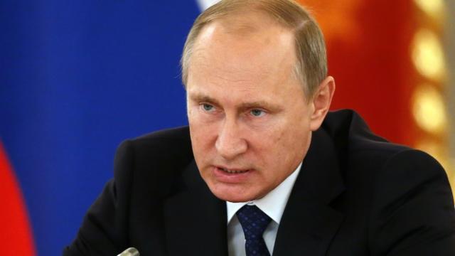 Le président russe Vladimir Poutine au Kremlin à Moscou, le 1er octobre 2015 [Yuri Kochetkov / Pool/AFP]