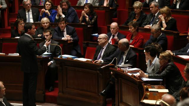 Le Premier ministre Manuel Valls s'adresse aux députés, le 26 janvier 2016 à l'Assemblée, à Paris [THOMAS SAMSON / AFP]
