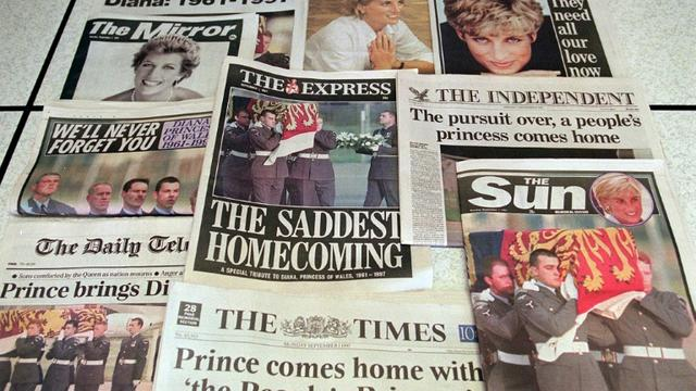 Les unes des journaux britanniques le 1er septembre 1997 sur le décès de la Princesse Diana dans un accident de la route à Paris [JOHNNY EGGITT / AFP/Archives]