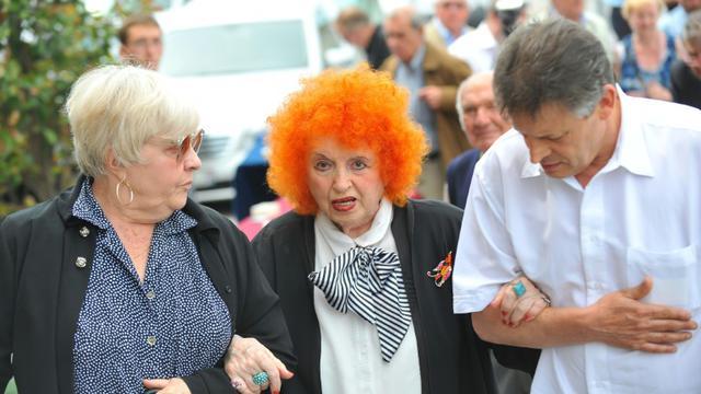 Yvette Horner (c), le 17 juillet 2013, aux funérailles de l'accordéoniste André Verchuren, à Chantilly [RICHARD DUGOVIC / AFP/Archives]