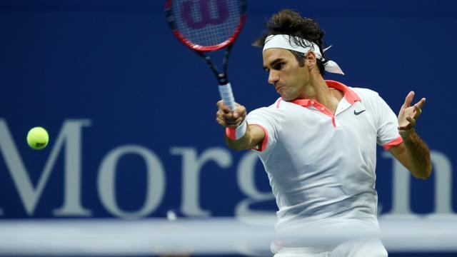 Le joueur de tennis Roger Federer lors de la sa demi-finale gagnée contre Martin Cilic à l'US Open à New York, le 11 septembre 2015 [Jewel Samad / AFP]