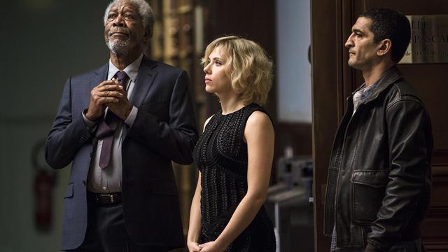 """Scène du film """"Lucy"""", de Luc Besson, avec Scarlett Johansson et Morgan Freeman [ / AFP]"""