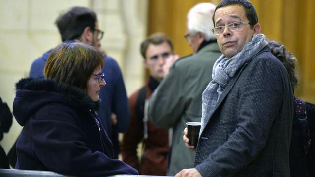 L'ex-urgentiste Nicolas Bonnemaison (d), à Angers le 21 octobre 2015 [GEORGES GOBET / AFP]