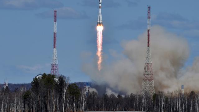 Décollage d'une fusée Soyouz le 28 avril 2016 depuis le nouveau cosmodrome Vostotchny près d'Uglegorsk en Russie [KIRILL KUDRYAVTSEV / POOL/AFP]