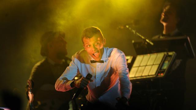 Le chanteur belge d'origine rwandaise Stromae en concert à Kigali, le 17 octobre 2015 [TONY KARUMBA / AFP]