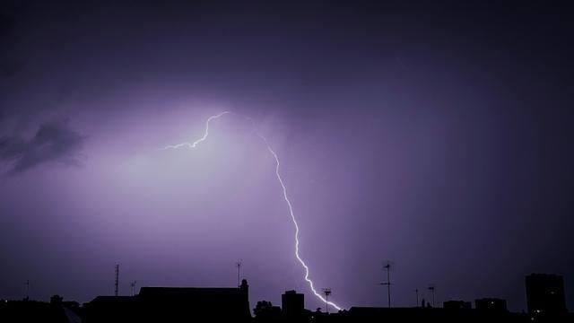 Elair lors d'un orage au-dessus de Tours le 29 mai 2018 [GUILLAUME SOUVANT / AFP/Archives]