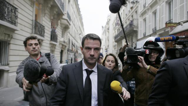 L'ex-trader de la Société générale, Jérôme Kerviel, quitte le cabinet de son avocat, le 24 octobre 2012 à Paris [Kenzo Tribouillard / AFP/Archives]