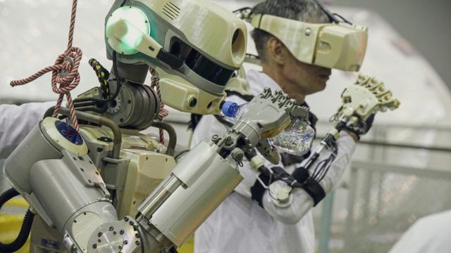 Essais du robot humanoïde russe Skybot F-850, alias Fedor, avant son départ pour l'ISS [- / Roscosmos space agency/AFP]