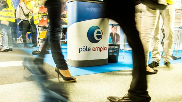 Le gouvernement publie ce 26 octobre 2015 le nombre de demandeurs d'emploi inscrits à Pôle emploi à fin septembre, alors que les signes de reprise se multiplient et ébauchent une baisse du chômage pour 2016 [Philippe Huguen / AFP/Archives]