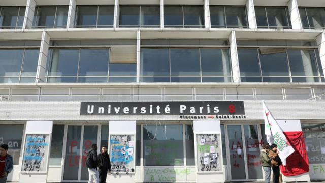 L'entrée de l'Université Paris-8 bloquée par des étudiants, le 6 avril 2018 à Saint-Denis [Ludovic MARIN / AFP/Archives]