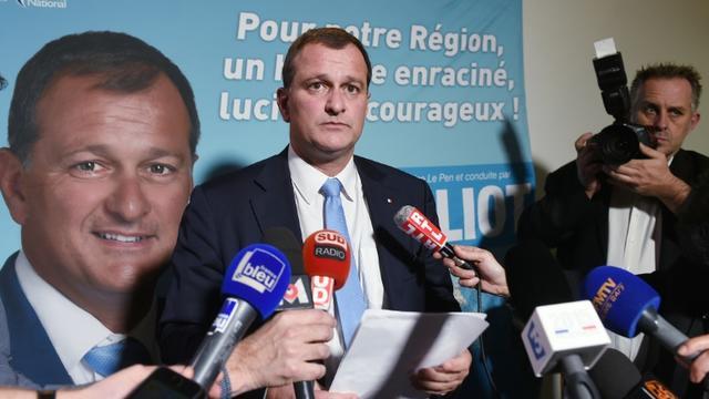 Le vice-président du FN, Louis Alliot le 6 décembre 2015 à Toulouse après l'annonce de son succès au premier tour des régionales dans la région Midi-Pyrénées/Languedoc Roussillon [ERIC CABANIS / AFP]