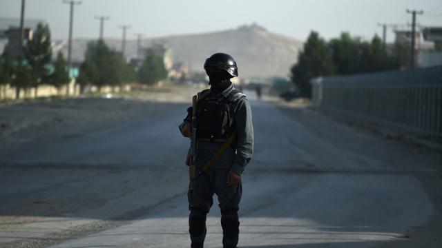 Trois employés expatriés ont été enlevés et tués par des hommes armés à Kaboul jeudi matin et leurs corps retrouvés dans les faubourgs de la capitale afghane [WAKIL KOHSAR / AFP/Archives]