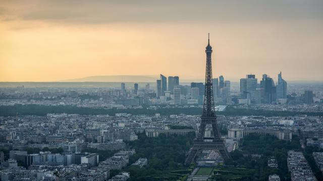 Paris et sa région vont continuer à se réchauffer, gagnant peut-être jusqu'à 4°C d'ici la fin du siècle selon Météo-France [LUCAS BARIOULET / AFP/Archives]