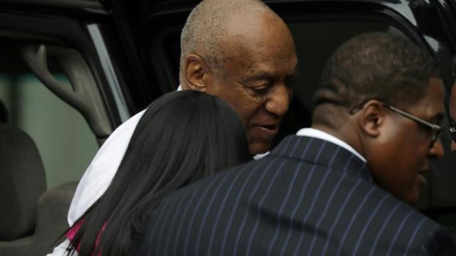L'acteur américain Bill Cosby (c), le 5 juin 2017 à Norristown en Pennsylvanie [Dominick Reuter / AFP]