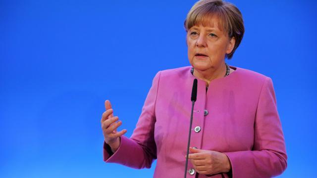 La chancelière allemande Angela Merkel s'exprime devant son parti le CDU, le 8 janvier 2016 à Mayence [Fredrik von Erichsen / dpa/AFP/Archives]