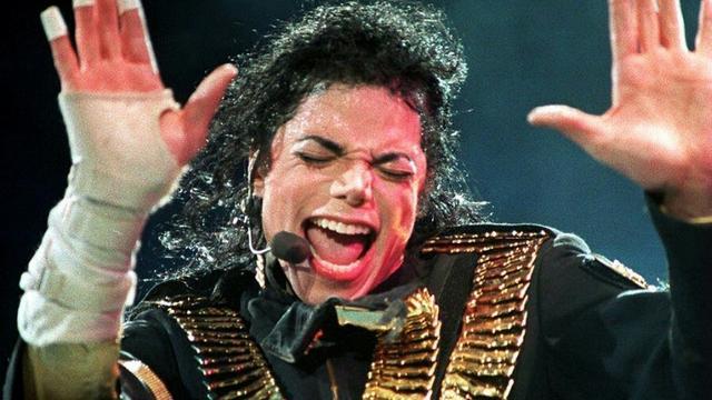 Michael Jackson, le 1er septembre 1993 à Singapour [STR / AFP/Archives]