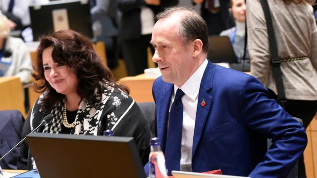 Le secrétaire d'Etat pour le Brexit Martin Callanan à Bruxelles, le 12 novembre 2018 [JOHN THYS / AFP]