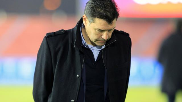 L'entraîneur lyonnais Hubert Fournier à Ajaccio face au Gazélec, le 20 décembre 2015 [PASCAL POCHARD CASABIANCA / AFP]
