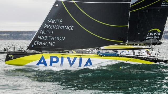 Le monocoque Apivia au départ de la Transat Jacques Vabre, au large du Havre, le 27 octobre 2019 [Damien MEYER / AFP/Archives]