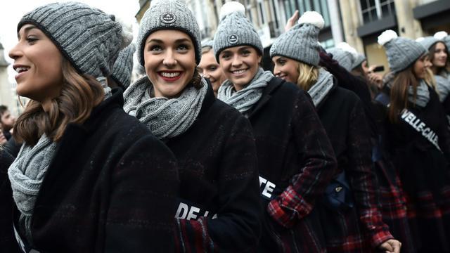 Les candidates à l'élection de Miss France lors d'un défilé dans les rues de Lille, le 2 décembre 2018 [FRANCOIS LO PRESTI / AFP/Archives]