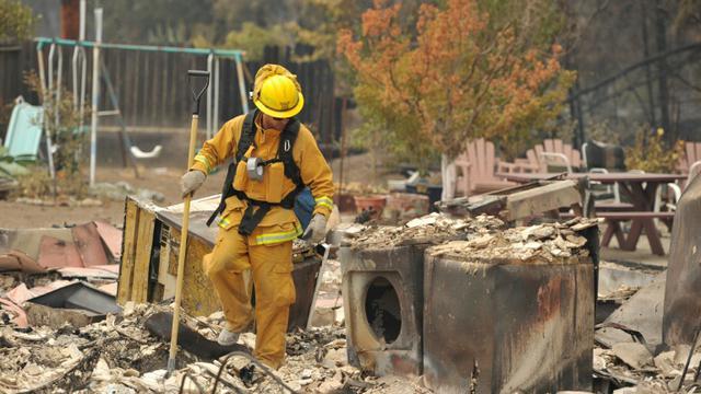 Des pompiers le 14 septembre 2015 à Middletown [Josh Edelson / AFP]