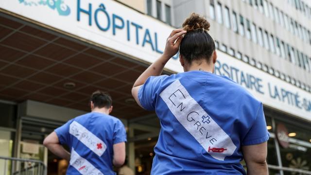 Grève aux urgences de l'hôpital de la Pitié-Salpétrière à Paris, le 15 avril 2019 [KENZO TRIBOUILLARD / AFP]