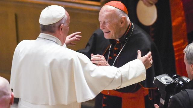 Le pape François et le cardinal américain Theodore McCarrick à la cathédrale St Matthew, le 23 septembre 2015 à Washington [Jonathan Newton / POOL/AFP/Archives]