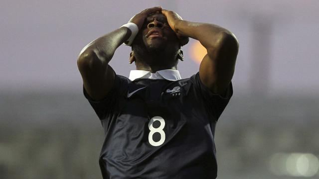 La déception du Français Odsonne Edouard lors du 8e de finale perdu contre le Costa Rica, le 29 octobre 2015 à Puerto Montt au Chili [SERGIO PINA / PHOTOSPORT/AFP]