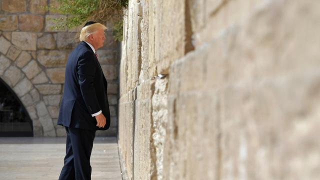 Le président américain Donald Trump devant le Mur des Lamentations à Jérusalem, le 22 mai 2017  [MANDEL NGAN / AFP/Archives]