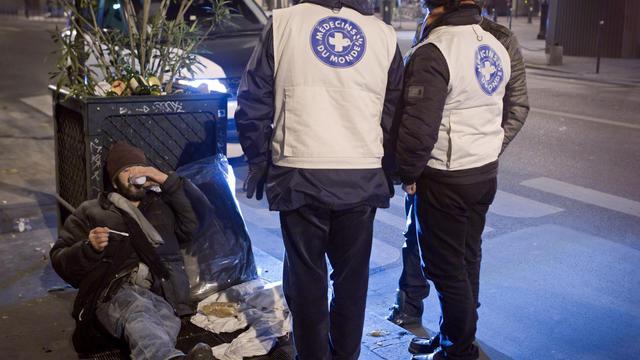 Des membres de Médecins du Monde en maraude le 3 décembre 2010 à Paris [Loic Venance / AFP/Archives]