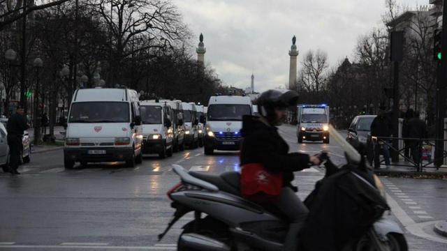 Un CRS fauché par un chauffard en fuite — Paris