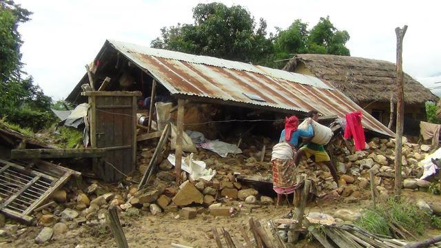 Inondations dans le village népalais de Hatipur à 400 km à l'ouest de Katmandou le 16 août 2014  [Moti Poudel  / AFP/Archives]