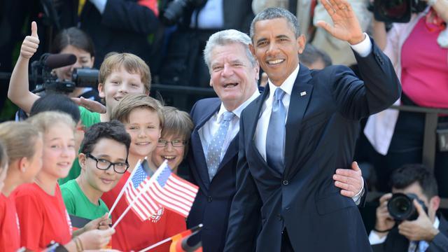 Les présidents allemand Joachim Gauck et américain Barack Obama le 19 juin 2013 à Berlin [Patrick Stollarz  / /AFP]