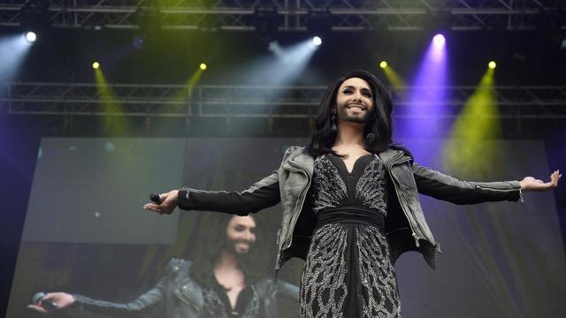 La drag queen à barbe Conchita Wurst, candidate de l'Autriche se produit dans le cadre du concours de l'Eurovision en à Copenhague, le 5 mai 2014 [Christian Liliendahl / Scanpix Danemark/AFP]