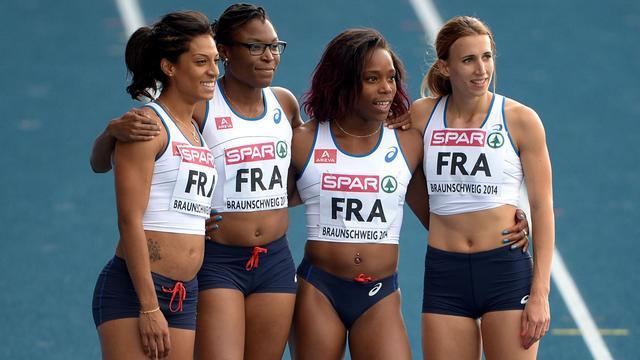 Les relayeuses françaises du 4x100 m Jennifer Galais, Ayodélé Ikuesan, Stella Akakpo et Céline Distel-Bonnet, lors des championnats d'Europe d'athlétisme par équipe, le 21 juin 2014. [Peter Steffen / AFP/Archives]