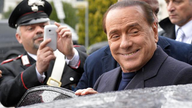 L'ancien chef du gouvernement italien Silvio Berlusconi lors d'une conférence de presse, à Rome, le 1er février 2013
