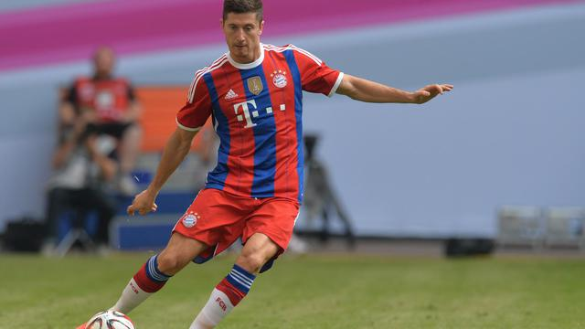 L'ancien attaquant de Dortmund, transféré cet été au Bayern Munich, le Polonais Robert Lewandowski, le 27 juillet 2014, à Hambourg [Carmen Jaspersen / AFP/Archives]
