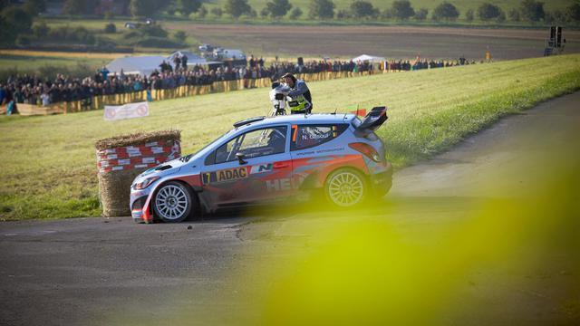 La Hyundai de Thierry Neuville le 24 août 2014 à Neumagen pour le rallye d'Allemagne  [Thomas Frey / DPA/AFP]