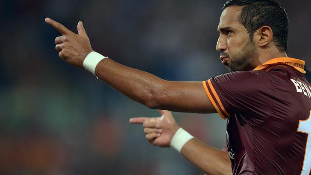 Le défenseur Al Mouttaqui Mehdi Amine Benatia célèbre un but marqué pour l'AS Rome contre Bologne en Série A, le 29 septembre 2013 au stade olympique de Rome [ / AFP/Archives]