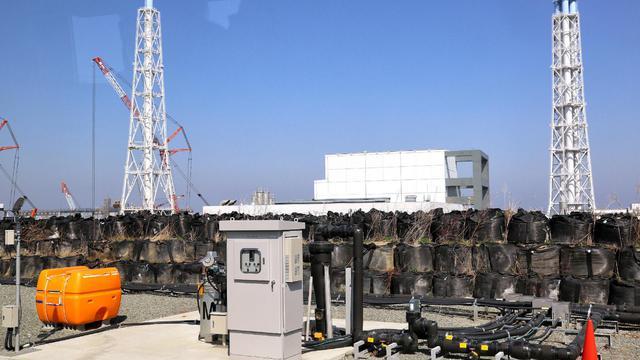 Une pompe d'aspiration des eaux souterraines implantée dans la centrale de Fukushima opérée par Tepco, le 15 avril 2014 [japan pool / Jiji/AFP]