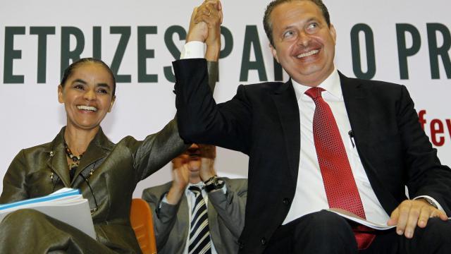 Marina Silva (à G) et Eduardo Campos, défunt candidat socialiste à la présidentielle brésilienne, lors de la présentation du programme de gouvernement de leur coalition,le 4 février 2014 à Brasilia [Beto Barata / AFP/Archives]