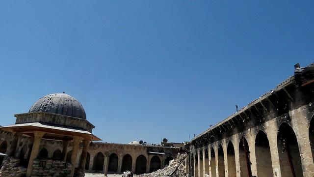 Les ruines d'un minaret dans une mosquée datant de l'époque des Omeyyades, à Alep, le 25 avril 2013 [Jalal Al-Halabi / AFP/Archives]