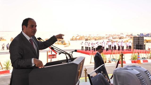 """Le président égyptien Abdel Fattah al-Sissi le 5 août 2014 à Ismaïlia lance en grande pompe le creusement d'un """"nouveau canal de Suez"""" [ / AFP]"""
