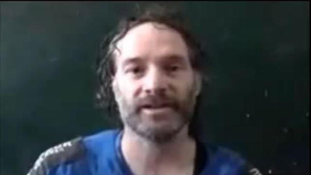 Capture de vidéo de la chaîne qatariote al-Jazeera, montrant l'otage américain Peter Theo Curtis, détenu en Syrie et libéré le 24 août 2014 [- / Al-Jazeera/AFP/Archives]