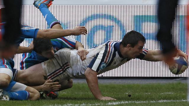 Louis Picamoles marque le 1er essai du XV de France contre l'Italie dans le Tournoi le 9 février 2014 au Stade de France  [ / AFP]