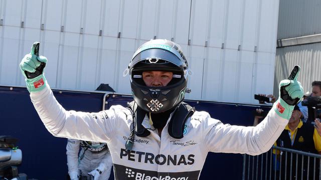 Nico Rosberg a imposé sa loi au Grand Prix d'Autriche pour revenir à dix points de Lewis Hamilton en tête du classement des pilotes.